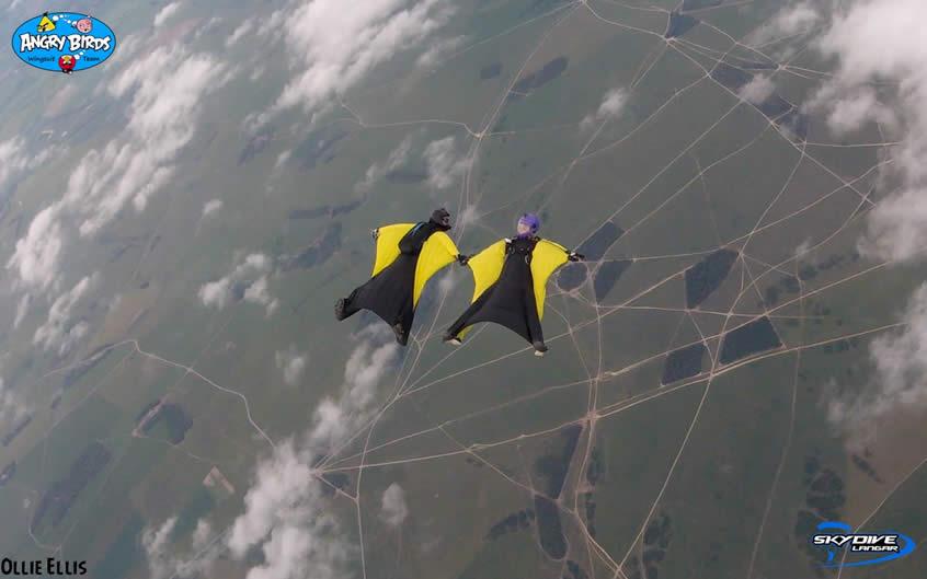 2 Wingsuiters skydive above Langar